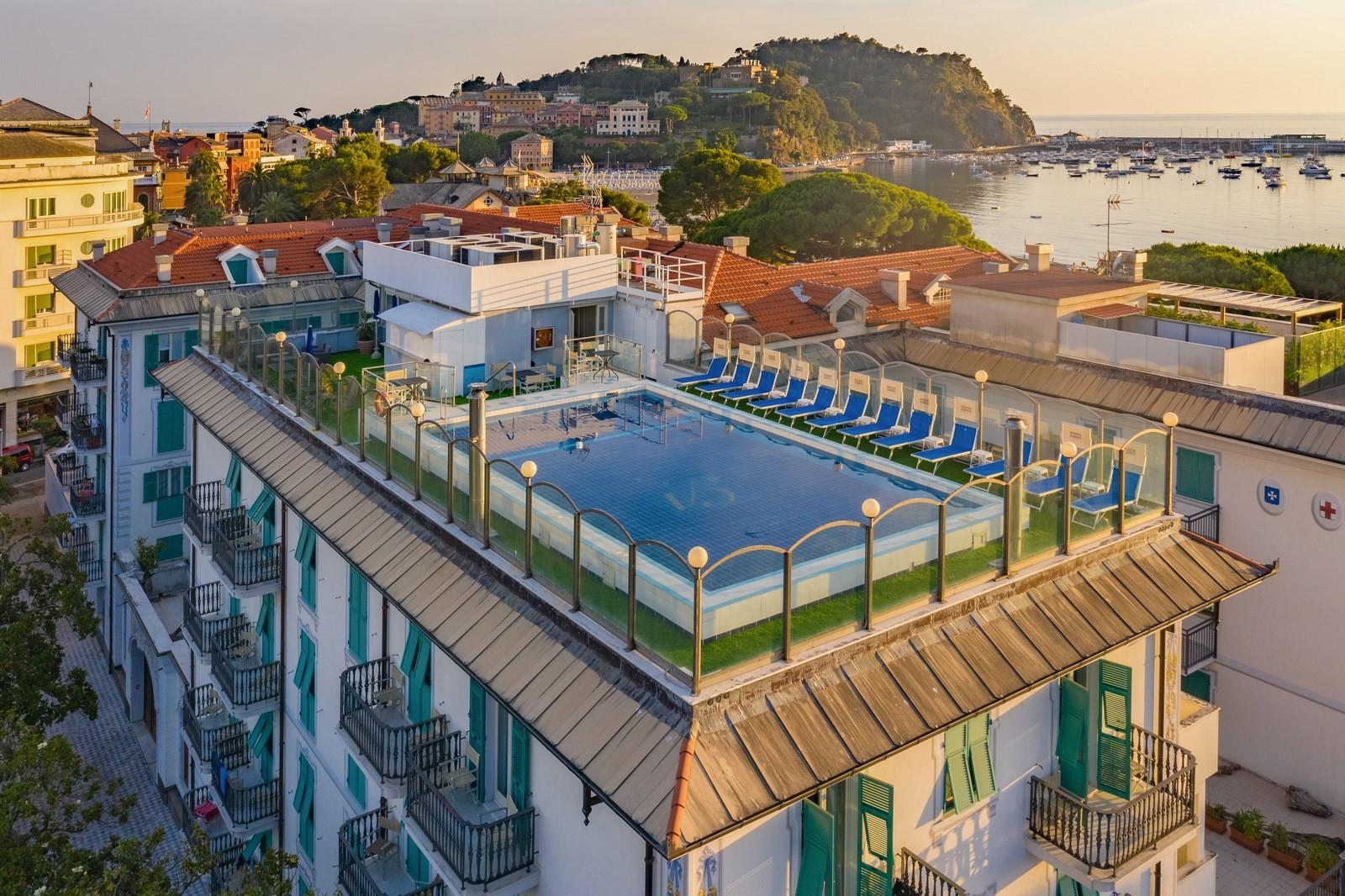 Hotel sestri levante prezzi hotel sestri levante quattro for Quattro stelle arredamenti prezzi